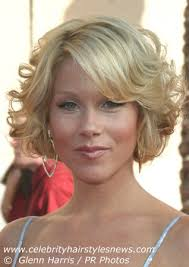 christina applegate hairstyles christina applegate with short hair styled in coils and curls
