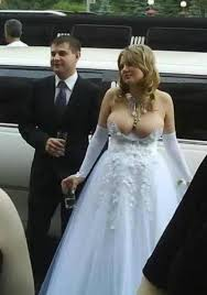 disgusting wedding dresses picking up 8 horrible wedding dresses would ruin any big day