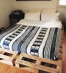 How To Make A Wood Pallet Platform Bed by 13 Inexpensive Wooden Pallet Bed Frame 101 Pallets