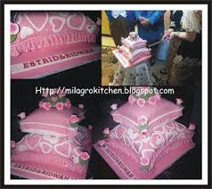 Wedding Cake Surabaya Milagro Kitchen Cake Surabaya Pillow Wedding Cake Estrid Erwan