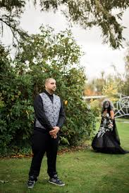 spirit halloween olympia wa this halloween wedding will get you in the mood for the macabre