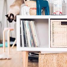 étagère derrière canapé les 25 meilleures idées de la catégorie déco derrière canapé sur