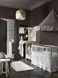 chambre parent bébé faire une chambre de bébé dans un petit espace côté maison