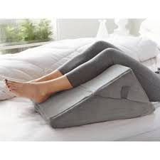 brookstone bed wedge pillow brookstone 4 in 1 bed wedge pillow bed bath beyond