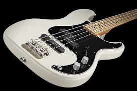 guitar world fender tony franklin fretted precision bass