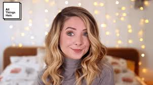 video flirty holiday party curls with zoella style it on