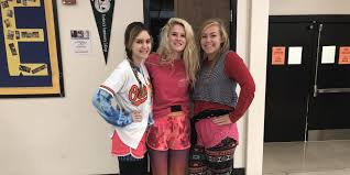 wacky tacky day brings out the crazy attire in whs students whs