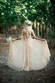 bohemian wedding dress 21 effortlessly beautiful boho wedding dresses onefabday
