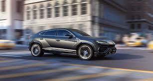 voiture de sport lamborghini lamborghini lance son suv de luxe un segment en plein boom bold