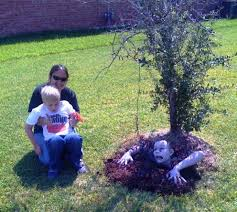 Yard Halloween Decorations Homemade Outside Halloween Decorations On A Budget Holidappy