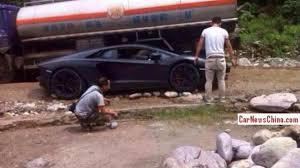 Lamborghini Aventador On Road - lamborghini aventador driver gets stuck on rocky road