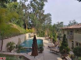 Kris Jenner Backyard Kaught You The Fake U0027keeping Up With The Kardashian U0027 Home Hits