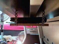 fabriquer un sous de bureau fabriquer une table basse à roulettes wheels ikea hackers and