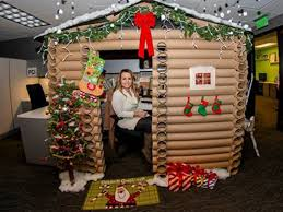 Cubicle Decoration Themes For Christmas And New Year by Woman Wins Christmas With Log Cabin Cubicle Cubicle Log Cabins