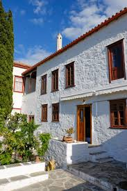 hydra homes list of holiday let properties on hydra greece a lovely house with traditional decor having mixed views some sea and some inland