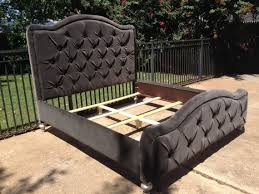 King Tufted Headboards by Best 25 Tufted Bed Ideas On Pinterest Grey Tufted Headboard