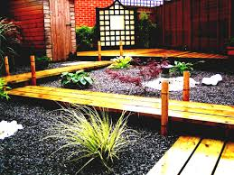 Cheap Landscaping Ideas For Small Backyards by Exterior Gardening Ideas Garden Landscaping Simple Easy Backyard