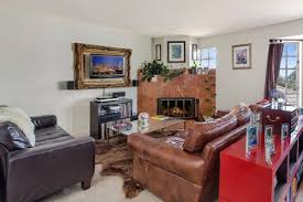 what 4 700 rents you in san francisco right now curbed sf appearances are a little less outside of the usual sorts in this top level two bed two bath mediterranean revival style apartment in the marina