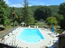 chambre d hotes var avec piscine villa à salernes var dans une proprièté avec tennis et piscine