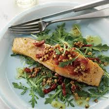 cuisiner le saumon filets de saumon à l unilatérale coup de pouce