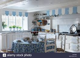 Blue And White Kitchen Blue And White Themed Kitchen With Aga Dining Table And