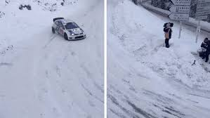 Driving In Snow Meme - winter driving should be snow problem 14 gifs thechive