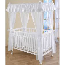 chambre bébé tartine et chocolat lit bébé à baldaquin dreamland 60 x 120 cm leipold