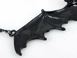 Halloween Flying Bats Frightening Halloween Black Enamel Paint Flying Bat Metal Chain