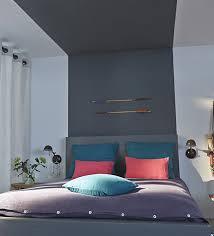 peindre les murs d une chambre une tête de lit en trompe l œil réalisée à l aide d une simple