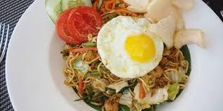 cara membuat mie goreng cur wortel resep mie goreng telur asin vemale com