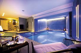 hotel de luxe a avec dans la chambre