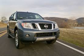 nissan pathfinder rear bumper 2011 nissan pathfinder photo gallery truck trend
