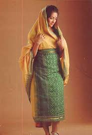 Fish Style Saree Draping 10 Beautiful Ways Of Draping A Saree In Different Parts Of The Country