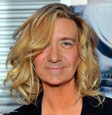 blonde male celebrities 25 hilarious photoshopped photos of male celebrities on female bodies