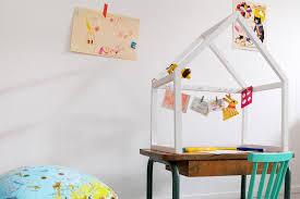 bureau enfant oui oui un bureau oui mais dans une cabane alors les trafiquantes