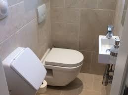 wandgestaltung gäste wc wandgestaltung im gäste wc badezimmer landhausstil dusche ohne