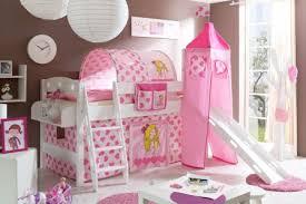 decoration et mobilier chambre de fille baldaquin lit princesse