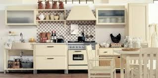 küche italienisch küchendesign ideen italienischer wohnstil und country elemente