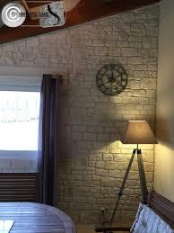 deco mur pierre décoration murale intérieure en enduits aspect pierre