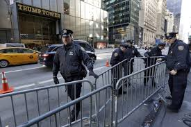 Trump Tower Nyc by Trump Security Kills Shopper Traffic On 5th Avenue Business Insider
