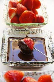 strawberry dipped in chocolate easy chocolate dipping sauce garlic matters