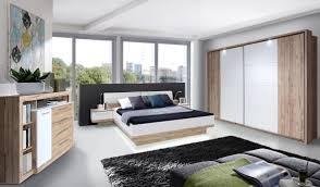 Schlafzimmer Schrank Lila Funvit Com Wohnzimmer Und Esszimmer Gestalten