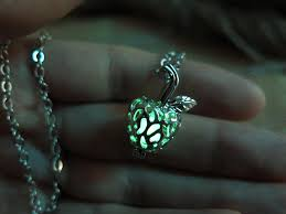 how to make halloween jewelry free shipping green glow in the dark poisoned apple necklace gift