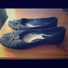born adele flats 63 off born shoes born adele black flats from mara s closet on