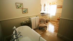 luxury holiday home blair atholl scotts castle holidays bedroom 2 en suite bath with roll top bath and separate shower cabinet