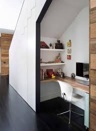 bureau discret un espace bureau pour travailler sous l escalier