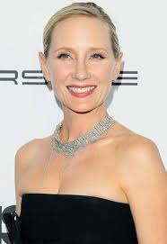 anne heche short hair anne heche back at nbc with new comedy project today s news our