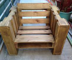 Outdoor Patio Pallet Furniture - pallet chair 6 steps with pictures