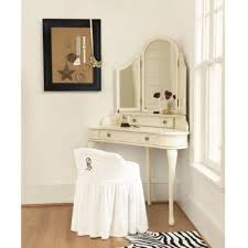 Diy Makeup Vanity Chair Best 25 Corner Makeup Vanity Ideas On Pinterest Diy Makeup