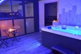 h el avec spa dans la chambre hotel avec spa privatif
